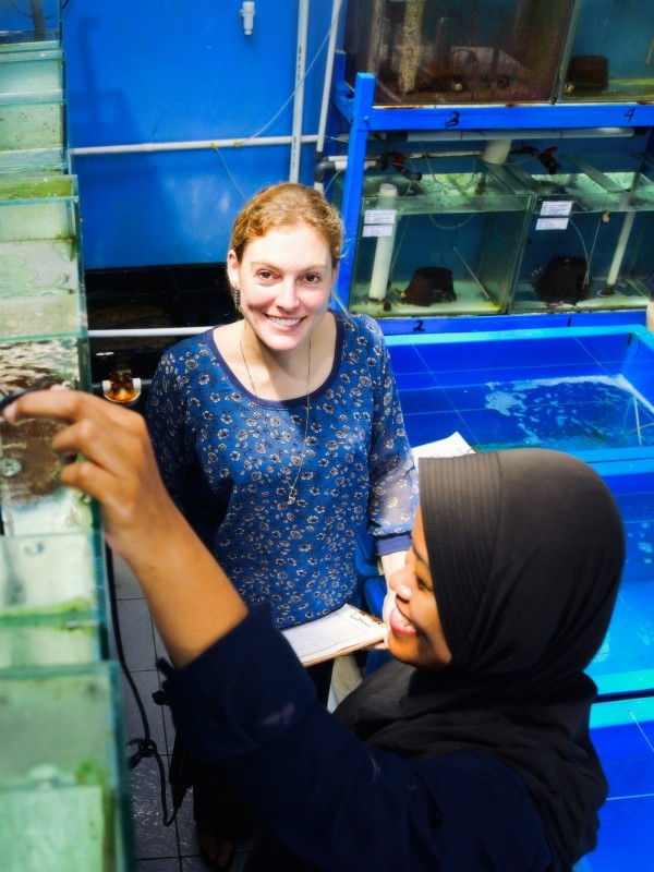 Australian volunteer Siobhan left with Indar at the MARS Symbioscience Mariculture facility a project supported by ACIAR.