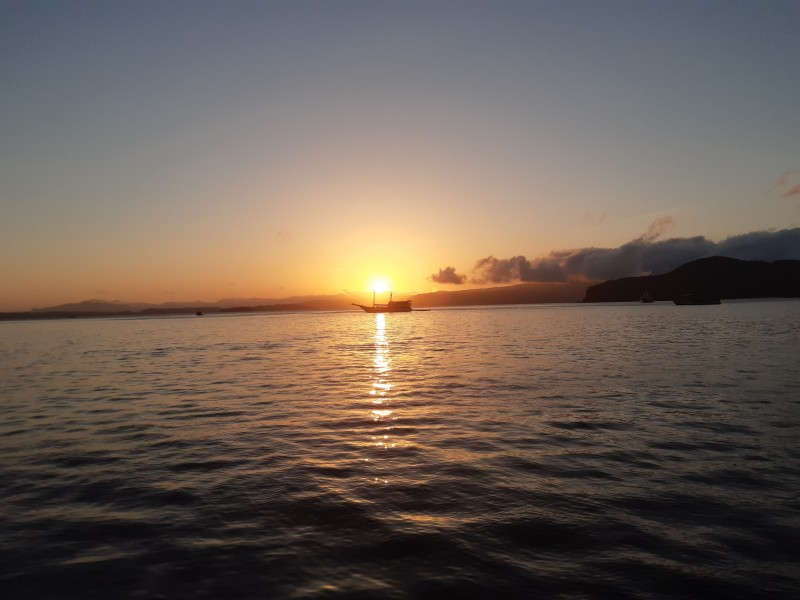 Sunrise in the bay of Padar Island in Komodo National Park 1