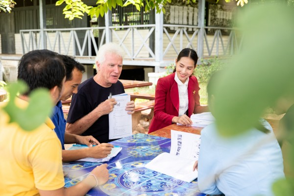 Bill is volunteering as a Teacher Trainer at Souphanouvong University Laos. Bill has decades of experience as a teacher and principal in Victoria Australia